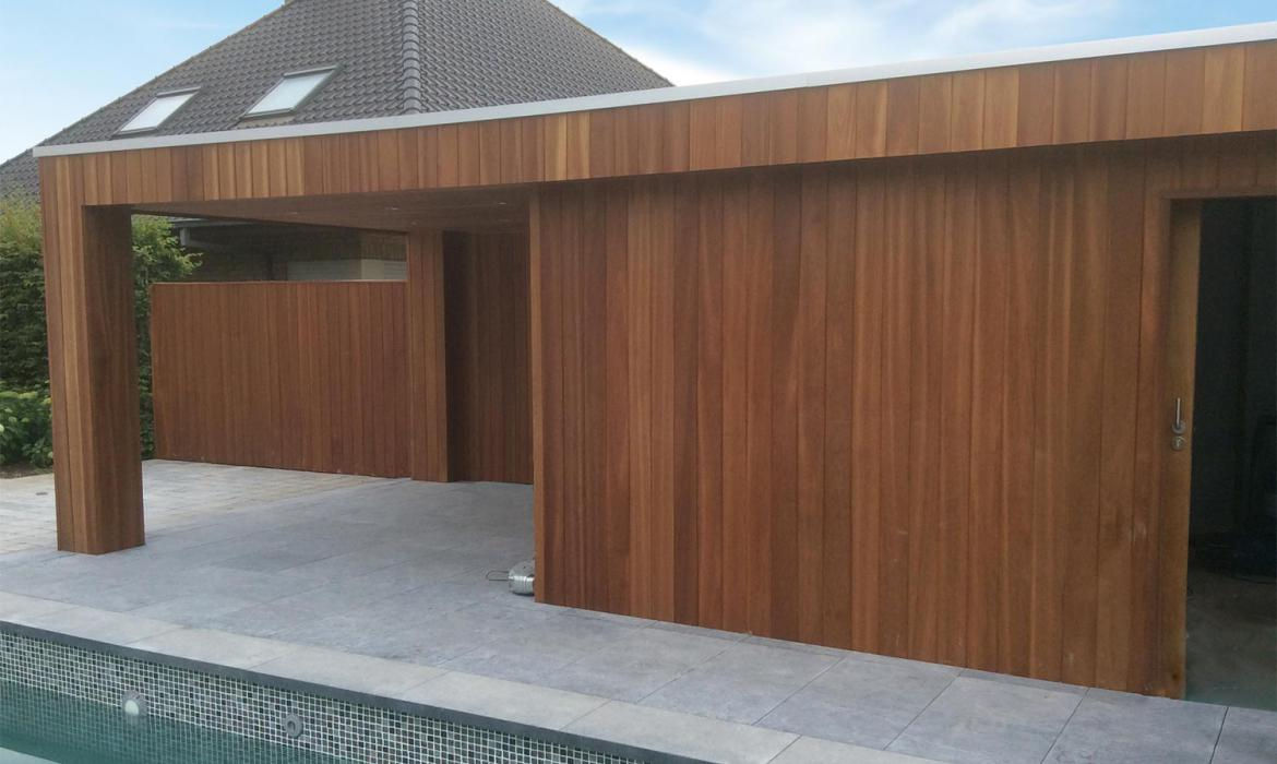Houten poolhouse in padoek door Woodproject