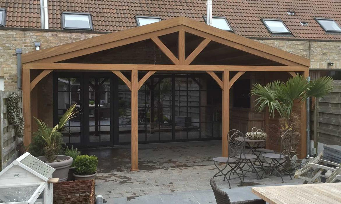 Pergola in afromosia hout door Woodproject