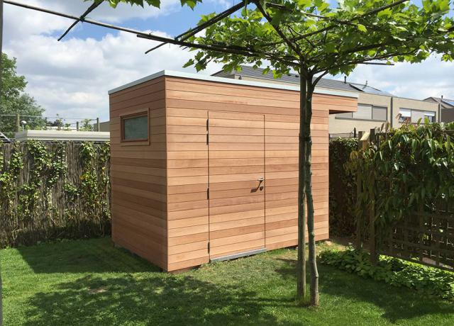 Modern tuinhuis in moabi hout door Woodproject