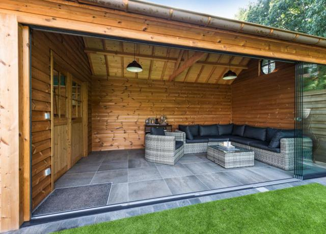 Poolhouse in thermowood