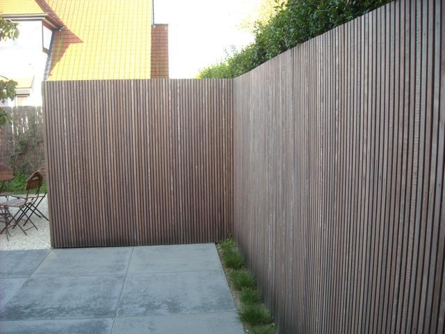 Houten tuinafsluiting in iroko door Woodproject